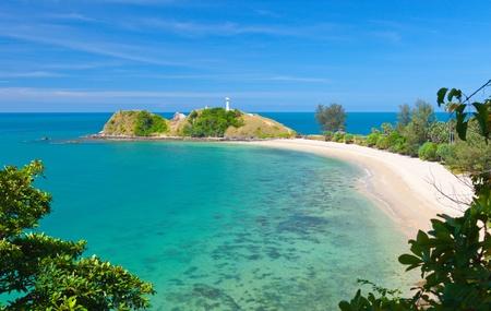 koh: Faro y la playa. Parque Nacional de Ko Lanta, Krabi, Tailandia