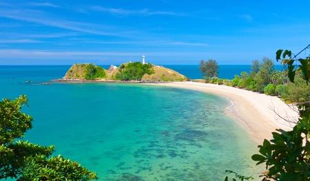 灯台とビーチ。タイ クラビ ・ ランタ島国立公園 写真素材