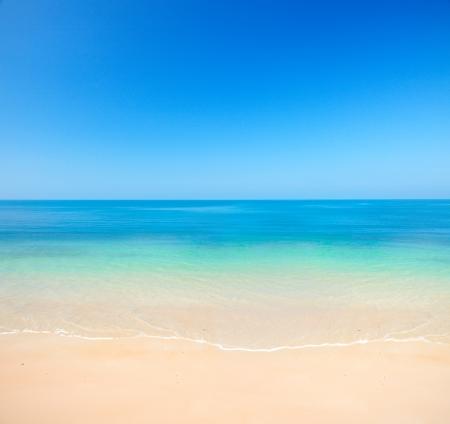 horizon: beach and sea