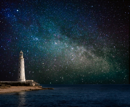 lighthouse at night Imagens - 20329315