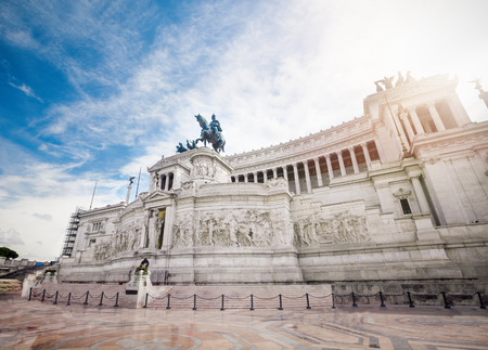 vittorio emanuele: Vittorio Emanuele monument (Tomb of unknown soldier) in the city of Rome in Italy. Editorial