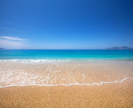 playa y hermoso mar tropical