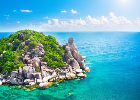 Buddha Rock And Beautiful Tropical sea, Koh Tao, Thailand Zdjęcie Seryjne