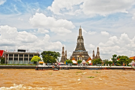 The Joa Praya River Wat Arun Bangkok Thailand on 27 Agust 2011. Stock Photo - 10794477