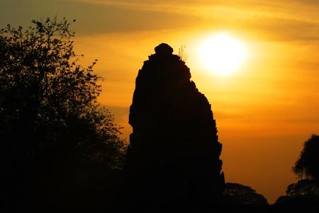 stupas: Le sagome di stupa tempio in Thailandia