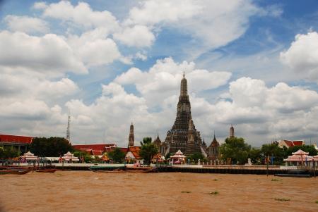 joa: The wat arun and joa praya river bangkok Stock Photo