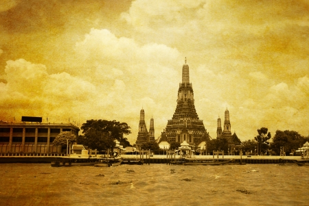 chao praya: Wat arun from the Chao Praya River Bangkok  Stock Photo