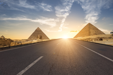 Beautiful  of the Great Sphinx including pyramids of Menkaure and Khafre  in Giza, Cairo, Egypt Reklamní fotografie