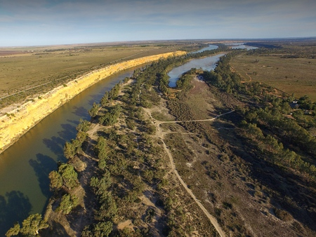 Aerial view of farming land and river murray cliffs at big bend near nildottie in murray darling basin on edge of mallee and drought affected areas in australia. Popular tourism water ski and wake boarding area. Stock Photo