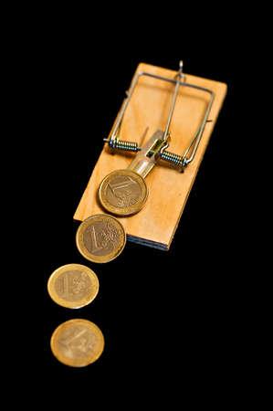 mouse trap: Euros on mouse trap