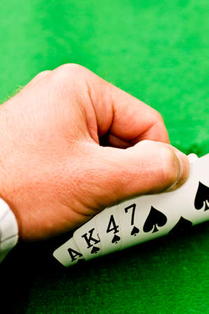 texas hold em: Hand covering cards