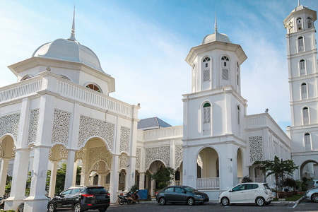 terengganu: The beautiful scenery Masjid Sultan Ismail in Chendering, Kuala Terengganu Editorial