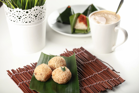 malaysia culture: Kuih traditional Malay, bijan on banana leaf