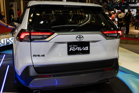 singapore -12 january 2019. the new toyota rav4 at singapore motor show 報道画像