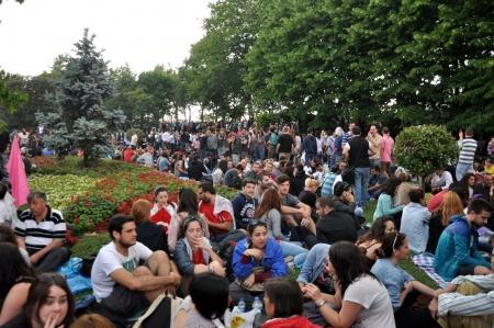 adverse: ISTANBUL, TURKEY - JUNE 1: Gezi Park Public Protest against the government
