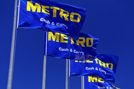 carry on: Metro Store Signage