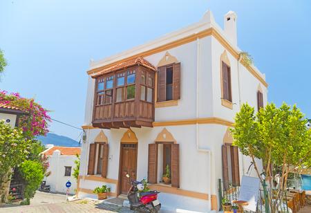 ortseingangsschild: Kas Stadt, beliebtes Ferienziel in der Nähe von Antalya, Türkei