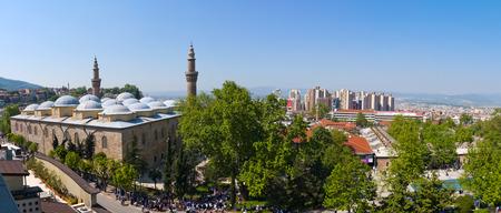 偉大なモスクやブルサ、トルコの Ulucami の外観