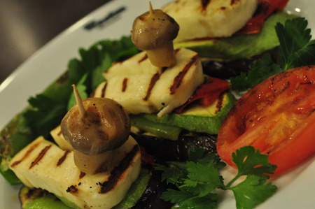 haloumi: Haloumi Salad Stock Photo