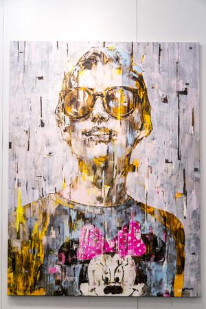 cuadros abstractos: Estambul, Turquía - 13 de noviembre de 2015: obra de arte en la 10ª edición de la artshow anual contemporáneo celebrada en Estambul Lutfi Kirdar Convention Center, Estambul el 13 de noviembre.