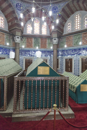 suleymaniye: The memorial tomb of the legendary Ottoman sultan Suleiman the Magnificent in Suleymaniye mosque. Editorial