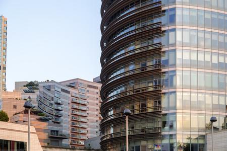 Istanbul, Turquie - 24 mai 2016: le quartier moderne de Levent, Istanbul. Levent est un centre financier de la ville avec des gratte-ciel, des centres commerciaux et des bureaux d'affaires.