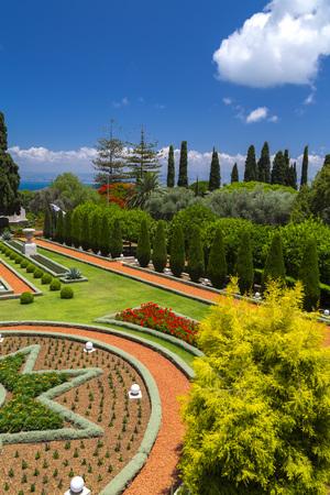 Bahai Gardens (Shrine of the Bab), a holy pilgrimage for the Bahai believers built on Mount Carmel in Haifa, Israel. Stock fotó