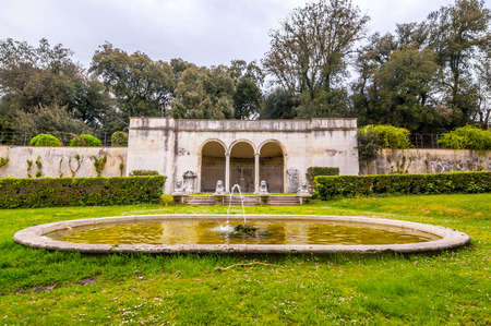 Villa Borghese Gardens with trees, walking and jogging paths, fountains and ponds in Rome, Italy. 版權商用圖片