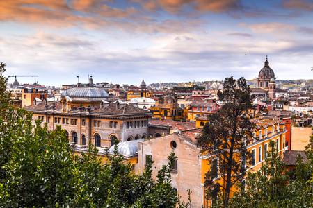 Paesaggio urbano aereo di Roma dalla Terrazza del Pinco nel Pincio, Villa Borghese.