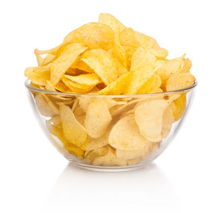유리 그릇에 감자 칩 흰색 배경에 고립 스톡 콘텐츠