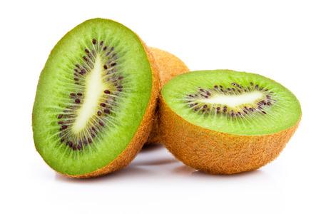 kiwi fruta: Kiwi aisladas sobre fondo blanco Foto de archivo