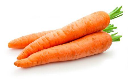 Zanahorias frescas aislado sobre un fondo blanco. Foto de archivo