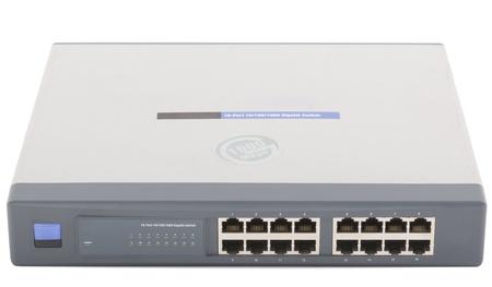 Netzwerk-Switch Frontplatte mit 16 Ports isoliert Standard-Bild - 16385219
