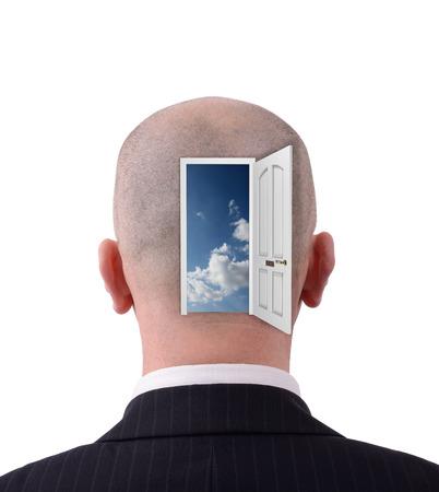 Gehen Sie mit offenen Tür nach innen zeigen Standard-Bild - 24860724