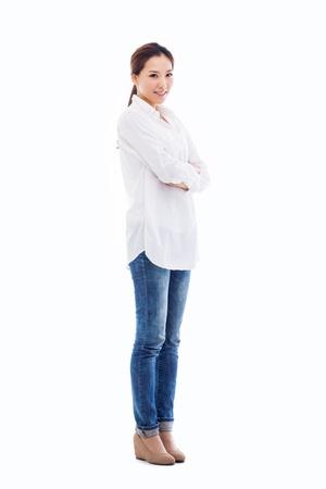 젊은 아시아 여자 전체 흰색 배경에 고립 된 총.