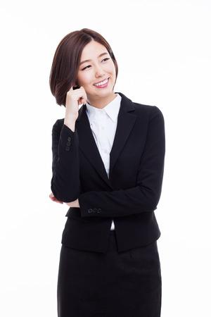 Denken jonge Aziatische vrouw geïsoleerd op witte achtergrond