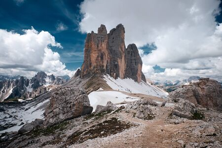 The landscape around Tre Cime di Lavaredo, one of the best-known mountain in the Alps located in Dolomites, Italy 版權商用圖片