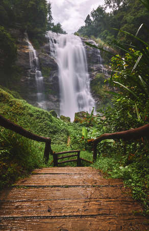 The landscape of Wachirathan waterfall in Chiangmai province, Thailand 免版税图像