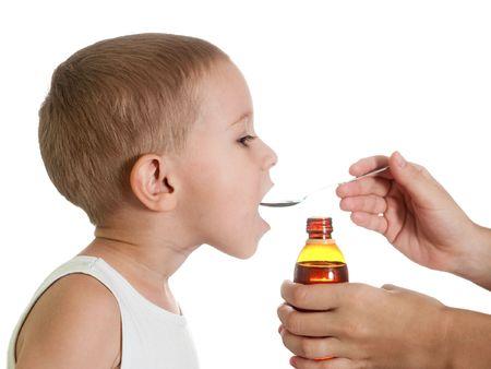 medicina: El jarabe de medicamento l�quido para la gripe y el fr�o de salud