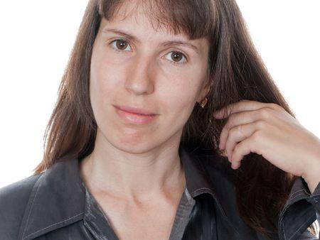 comb hair: Donne di bellezza pettinano i capelli per la moda con cura