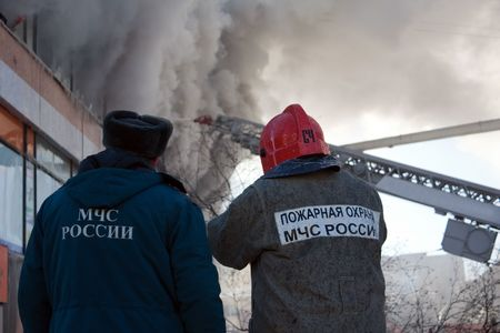 Burning fire smoke firefighter emergency service photo