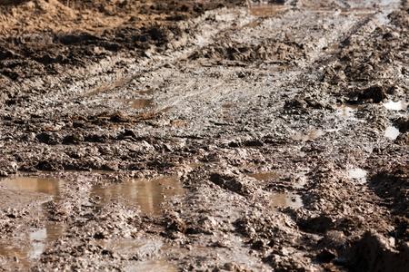 Tierra de barro en la pista de carretera de tierra todoterreno unidad al aire libre Foto de archivo