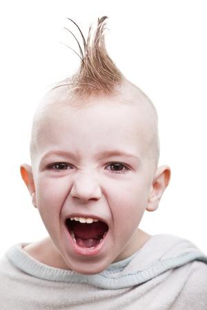 punk hair: Petit plaisir de gar�on enfant joviale cheveux punk smile grin