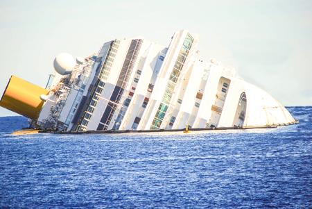 tragic: dead ship sad vision of a failure