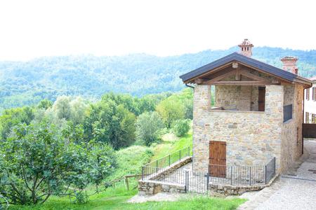 peasant farming: Italian peasant farming village
