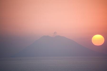 rare image of stromboli that erupts Banco de Imagens