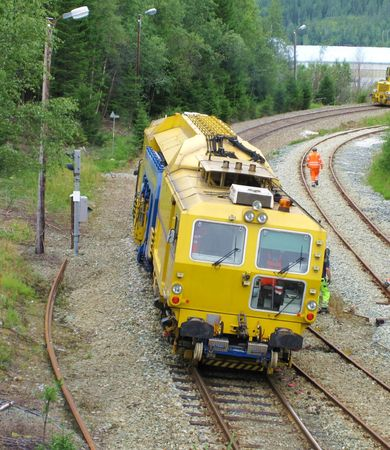 specialized: Changing railroad sleepers with a specialized machine