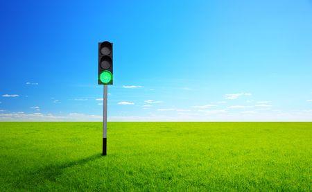 soleggiata giornata primaverile e il semaforo