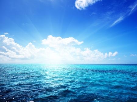 Oceaan en perfecte sky