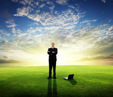 iş adamı: young businessman and sunset